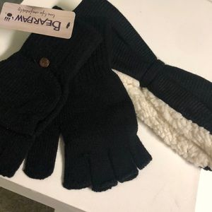 Bear Paw gloves and earmuffs set